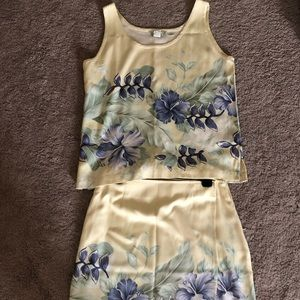 Tommy Bahama 2 piece set